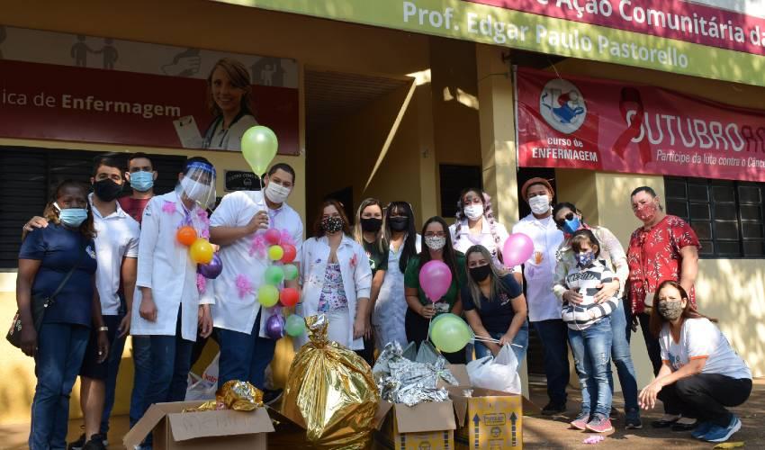 Enfermagem realiza ação social no Dia das Crianças - UNILINS
